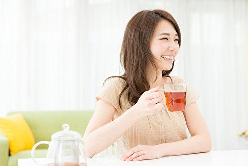 依不同的便秘情况,饮用不同的茶饮,让你通便好顺畅。(Fotolia)