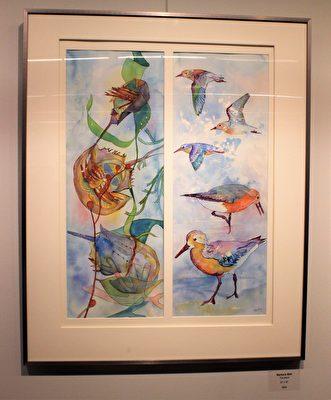 塔蔻瑪水彩畫協會畫家芭芭拉·贝尔(Barbara Bell)的作品《旅客》(Travelers),描繪了每年遷徙之際的飛鳥與水蟹。(周翰音/大紀元)