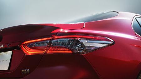 全新第八代Toyota Camry四缸混合動力車型。(Toyota提供)