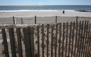 預算談不攏政府停擺 新州公園海灘「攆人」