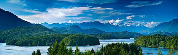 加西海岸的蓝天碧水﹑青山绿林。(Fotolia)