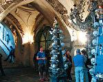 捷克必游景点:意大利庭园和人骨教堂