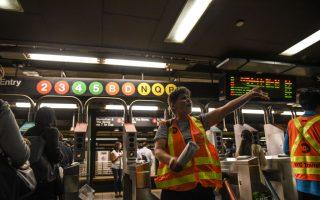 纽约地铁Q车脱轨 多条线路改线和延迟
