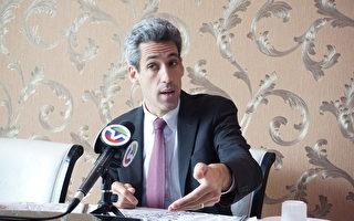 州长候选人毕斯拜访华埠 谈竞选主张