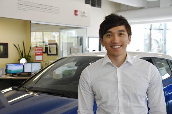 Heninger Toyota車行市場部Richard Ha