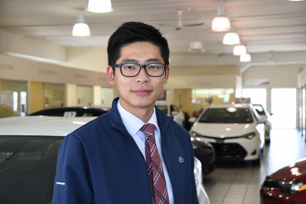 Heninger Toyota車行銷售Jay Jiang