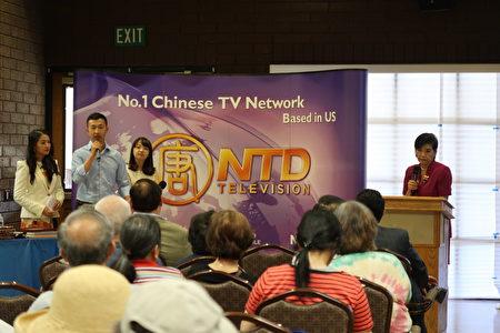 國會議員趙美心(Judy Chu)於新唐人和大紀元健康巡展「病毒與癌症」講座分享自身經驗。 (大紀元)