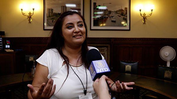 美國記者Liz Casanova表示要讓更多人知道中共活摘法輪功學員器官的消息。(新唐人視頻截圖)