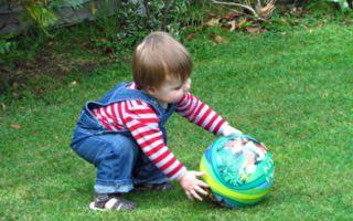 溜出去玩耍 美3歲男孩竟救女鄰居一命