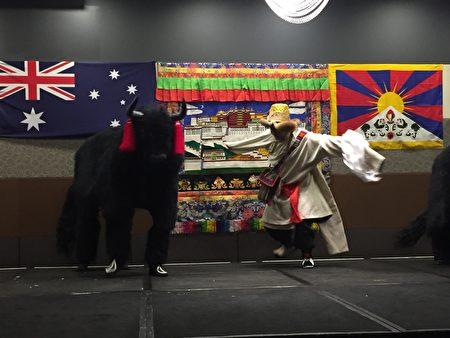 西藏獨特的氂牛舞 (大紀元/宋華)
