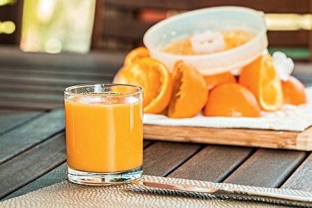 空腹时不要喝橙汁。(Pixabay)