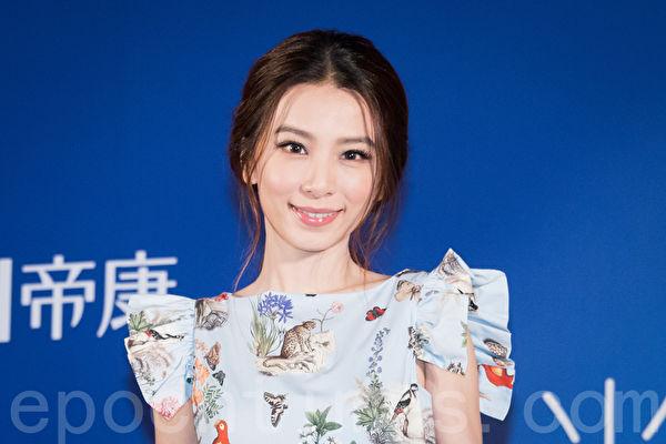 藝人田馥甄(Hebe)8月16日在台北出席代言隱形眼鏡活動。(陳柏州/大紀元)