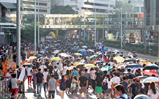 """""""人心未死"""" 民主人士评香港十万人大游行"""