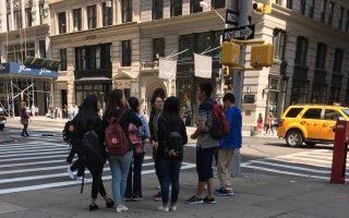 大陸高中生暑期組團 來紐約考SAT