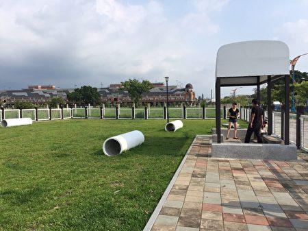 台中市东区泉源公园是全市唯一的宠物公园,今年4月进行改善工程,本月5日已整修完工,即日起重新开园。(台中市政府提供)