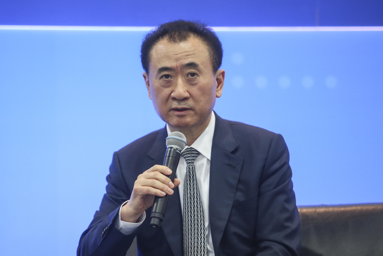 股價暴跌65% 王健林「體育夢」深陷危機