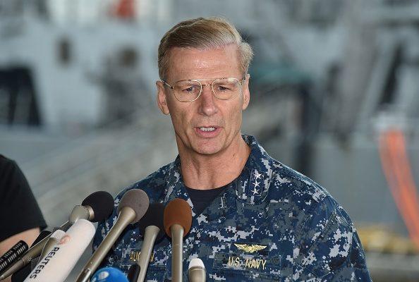 美军舰接连撞船 第七舰队司令遭解职