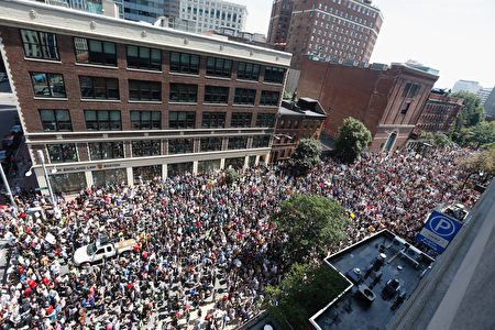 BOSTON, MA - AUGUST 19: Thousands of counter protesters march to a planned 'Free Speech Rally' on Boston Common on August 19, 2017 in Boston, Massachusetts. Thousands of demonstrators and counter-protestors are expected at Boston Common where the Boston Free Speech Rally is being held. (Photo by Scott Eisen/Getty Images)