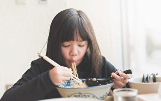 为什么吃饱后没多久又饿了?