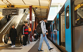 火车站险象环生 交通部门吁学生注意安全
