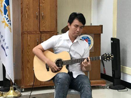 建筑师兼音乐人王彤阁。