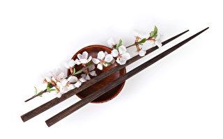 """为什么中国人吃饭使用""""筷子""""?"""
