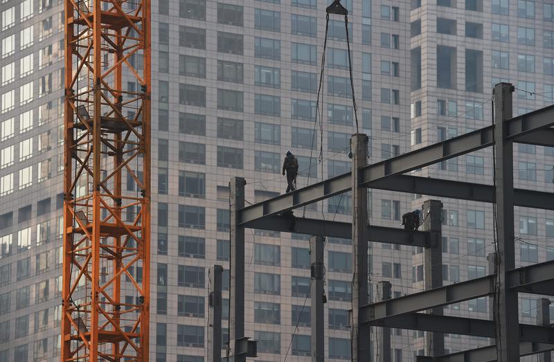 圖為北京的一處建築工地。(Greg BAKER/AFP)