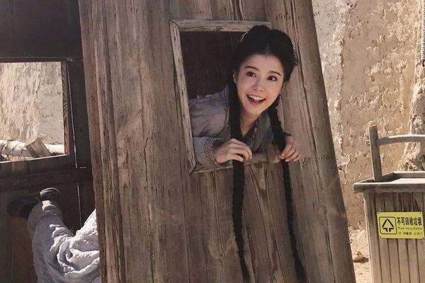 李佳颖古装扮相气质美 像是18岁少女