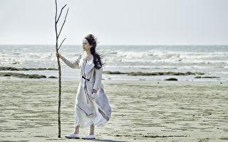 《一步成詩》寓意深 王詩安取景大漠風情