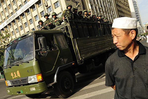 """新疆官员被官媒称""""两面人"""" 背后原因引关注"""