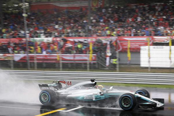 F1意大利站:小汉夺冠 积分反超维特尔