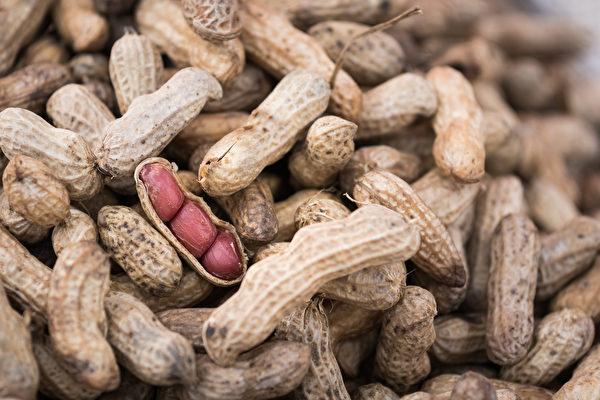發黴的食物中常見黃麴黴素,屬於一級致癌物。(圖/shutterstock)