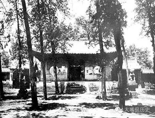 少林寺山門。(公有領域)
