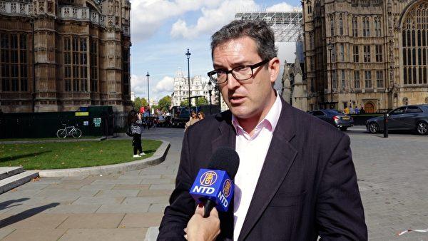 圖為英國人權活動家羅傑斯(Benedict Rogers)。(新唐人電視台)