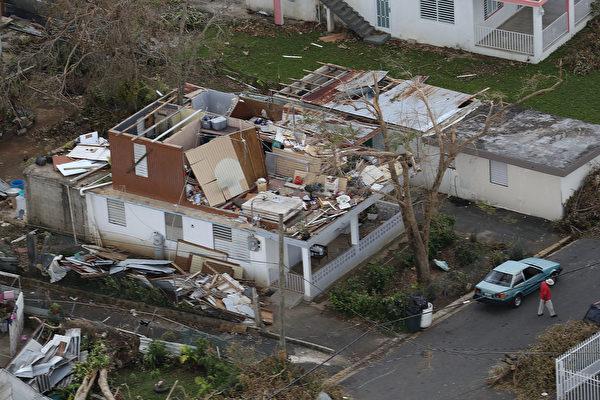 屋顶被掀开。(Joe Raedle/Getty Images)