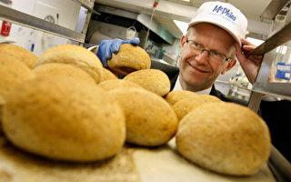 麵包店老闆到底虧了多少錢 網友們爭論不休