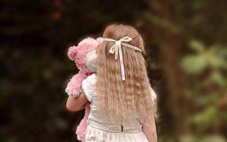 为罹癌外婆打气 3岁童模仿女名人摆拍 1年后收获丰