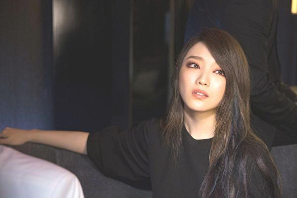 阎奕格首发专辑 推国粤语双主打歌