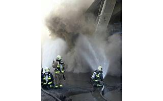 建材廠燃煤飛灰外洩 大量揚塵似火災