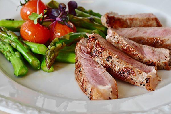 选择平常比较吃不到的肉品。(Pixabay)