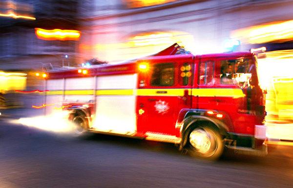 消防车在所有可能的街区穿梭。示意图。(Scott Barbour / Staff/GettyImage)