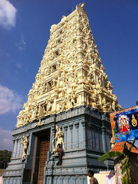 象牙塔为南印度传统印度教庙宇的特殊造型。(郑芝薇提供)