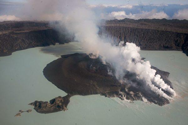 組圖:南太平洋小島火山爆發  1.1萬人撤離