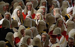 好多的法官啊! 10月2日,英國高等法庭、上訴法庭和最高法庭的法官們聚集在威斯敏斯特教堂,參加一年一度的儀式,慶祝新的司法年度的開端。 (Leon Neal/Getty Images)