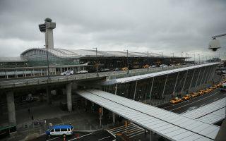 疫情蔓延 纽约地区机场暂停入港航班30分钟