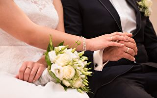 流浪狗成婚禮炸彈客 一對新人的反應引激讚