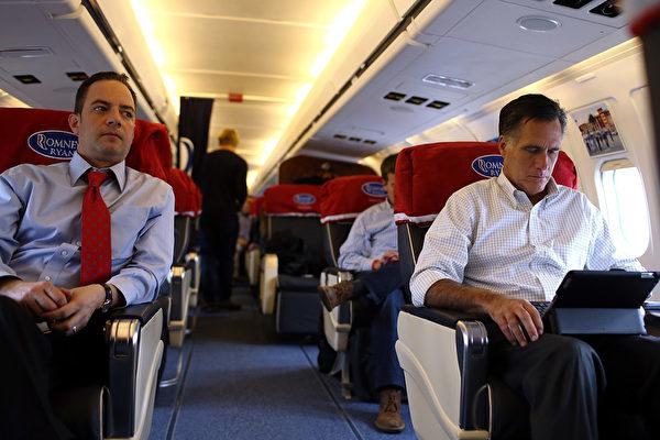 頭等艙的旅客往往是在讀書。(Justin Sullivan/Getty Images)