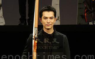 邱澤首演舞台劇緊張 為角色操槍109圈