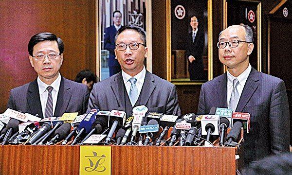 政府強推通過支持議案 一地兩檢懸疑未解