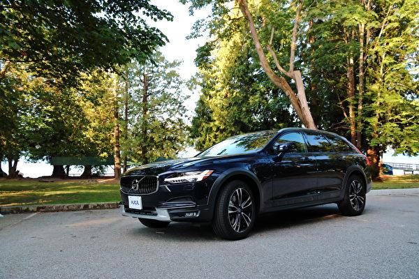 車評:兩吋倍安心 2017 Volvo V90 CC T6